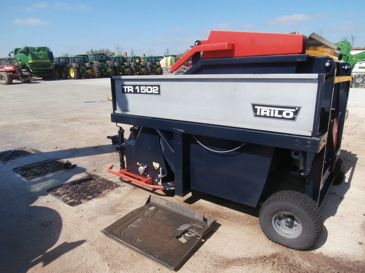 11033562 Trilo 1502 Flail Collector 2006