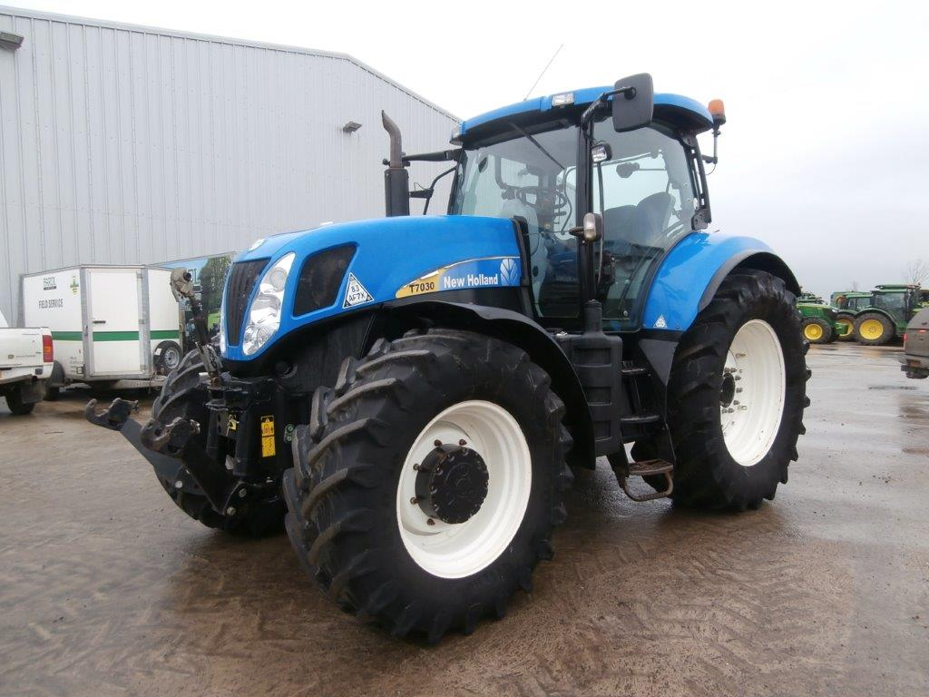 11036139 New Holland T7030 2008