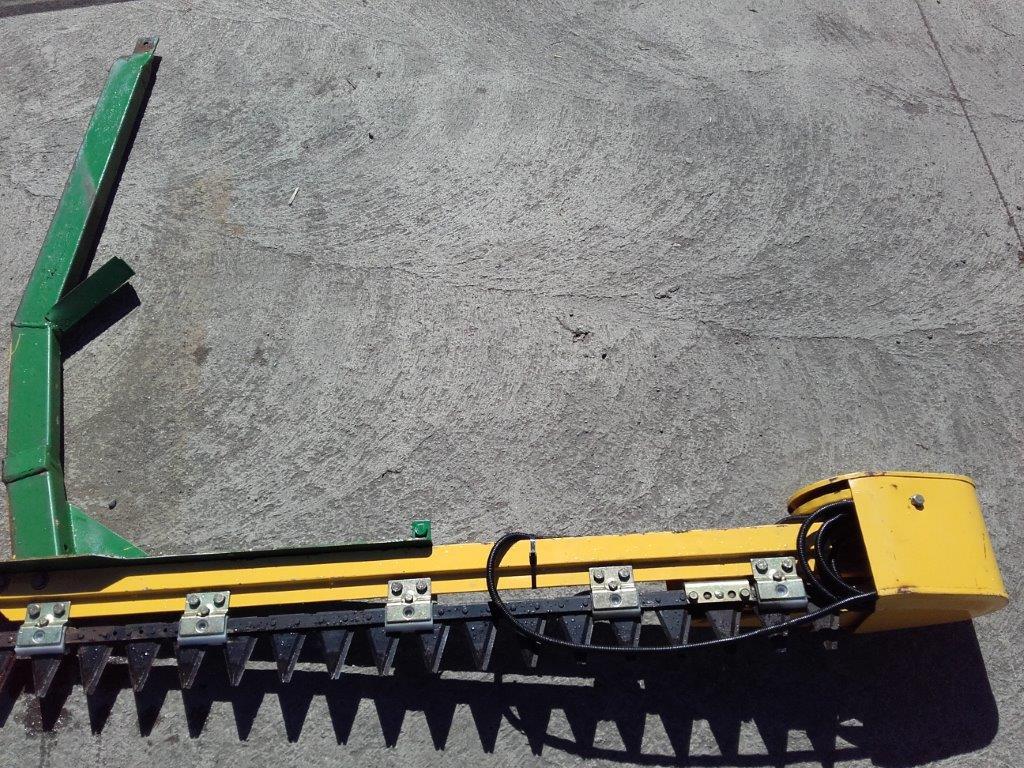 11039083 Ziegler RT135 Side Knife