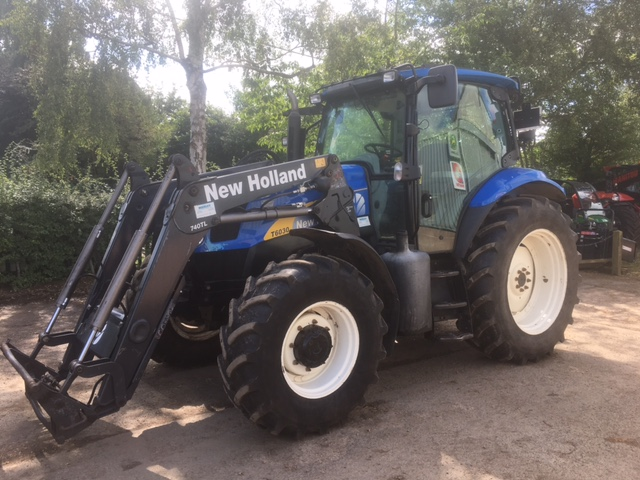 21044086 New Holland T6030 2010