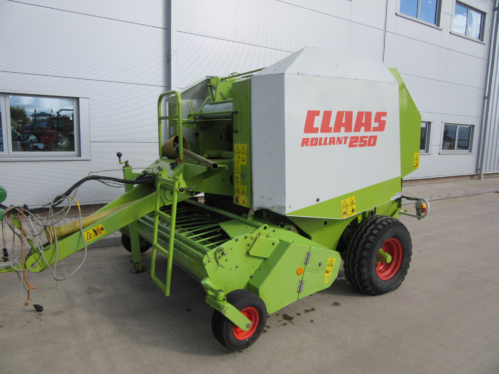 11044790 Claas 250 Rollant 2001