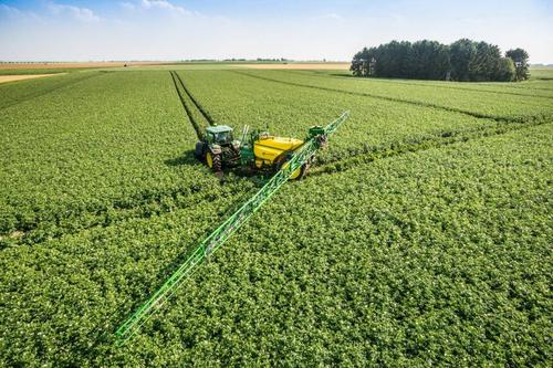 New mid-specification sprayers expand crop care range