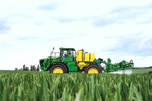 John Deere to reveal new self-propelled sprayer at CropTec 2014