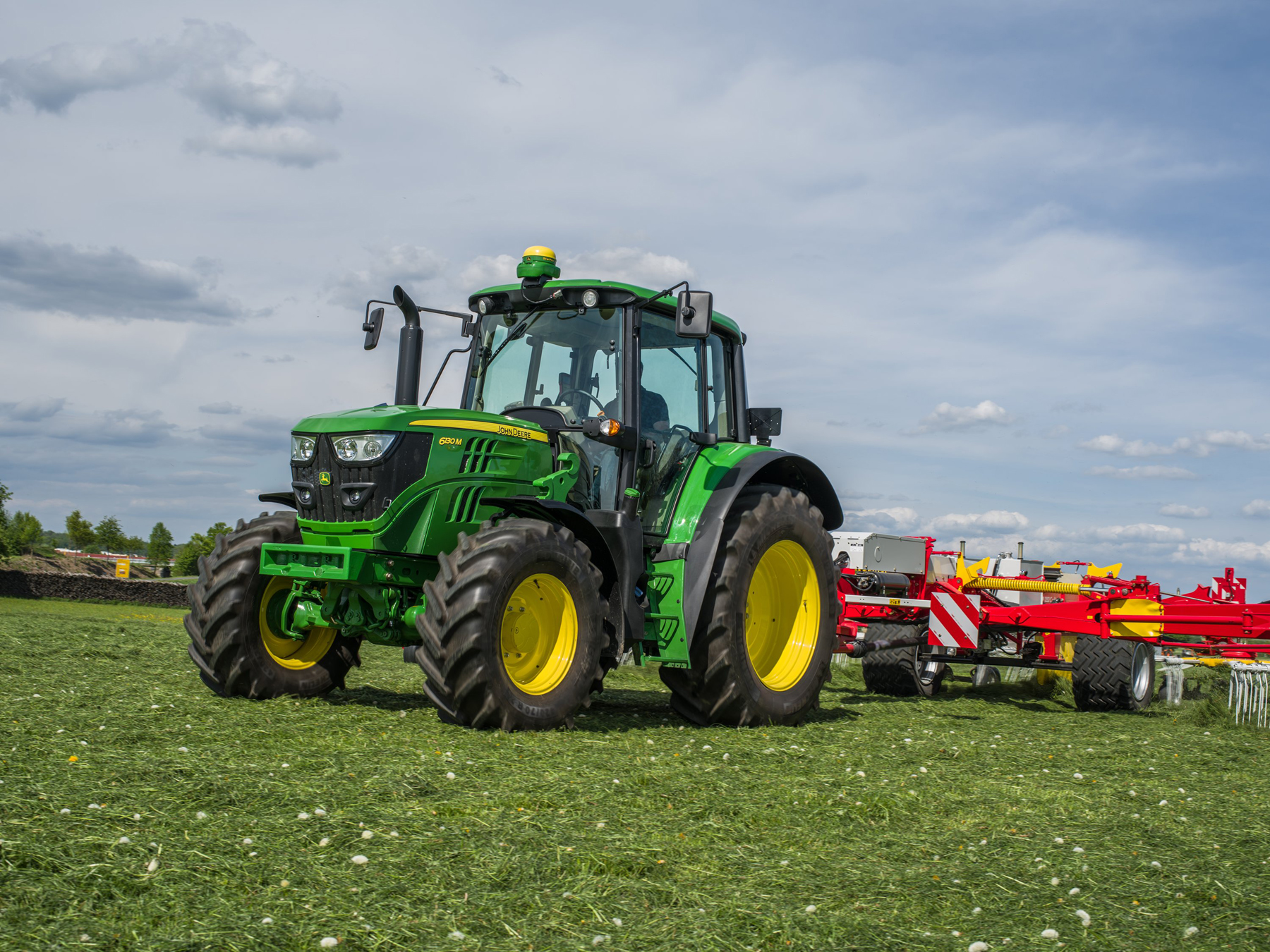 New Stage IV engines for 6R & 6M Series tractors