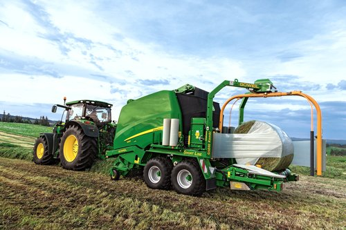 New John Deere forager & baler make their Grassland debut