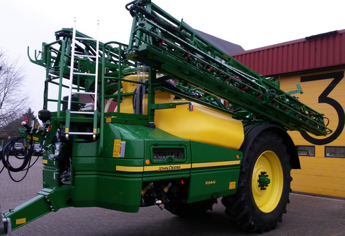 New John Deere trailed sprayer at Cereals 2015