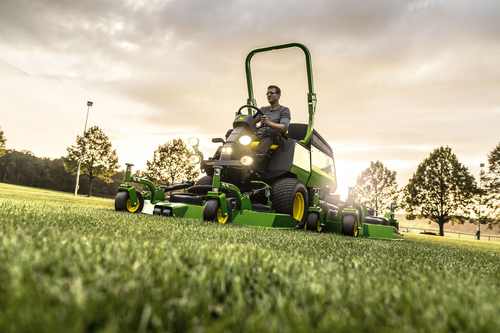John Deere improves wide area mower