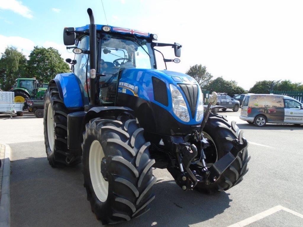 New Holland T7 210 | FarmAds